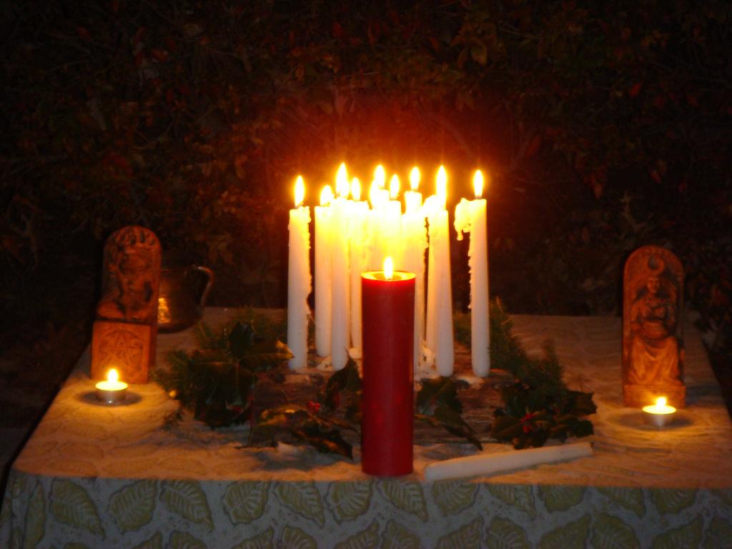 solstice-altar