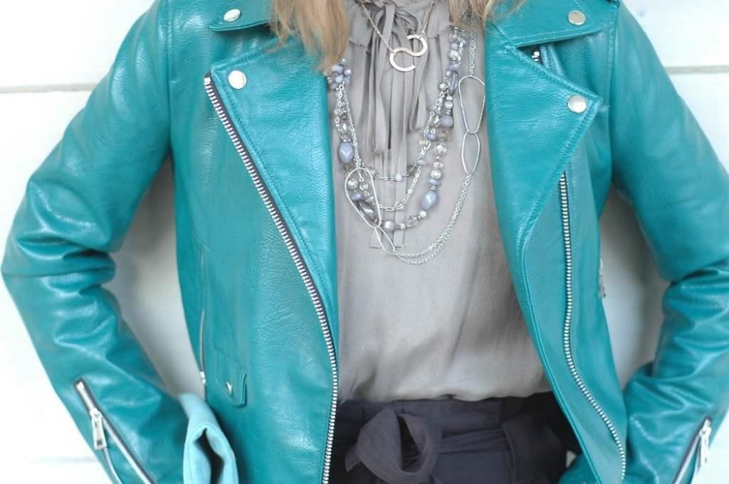 biker_jacke-styling-tipps_mode-blog-ue50_paper-bag-hose_oceanblue-style.jpg