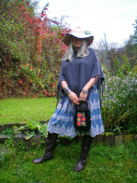 was-ist-unterschied-poncho-cape_beate-richter_oceanblue-style.jpg
