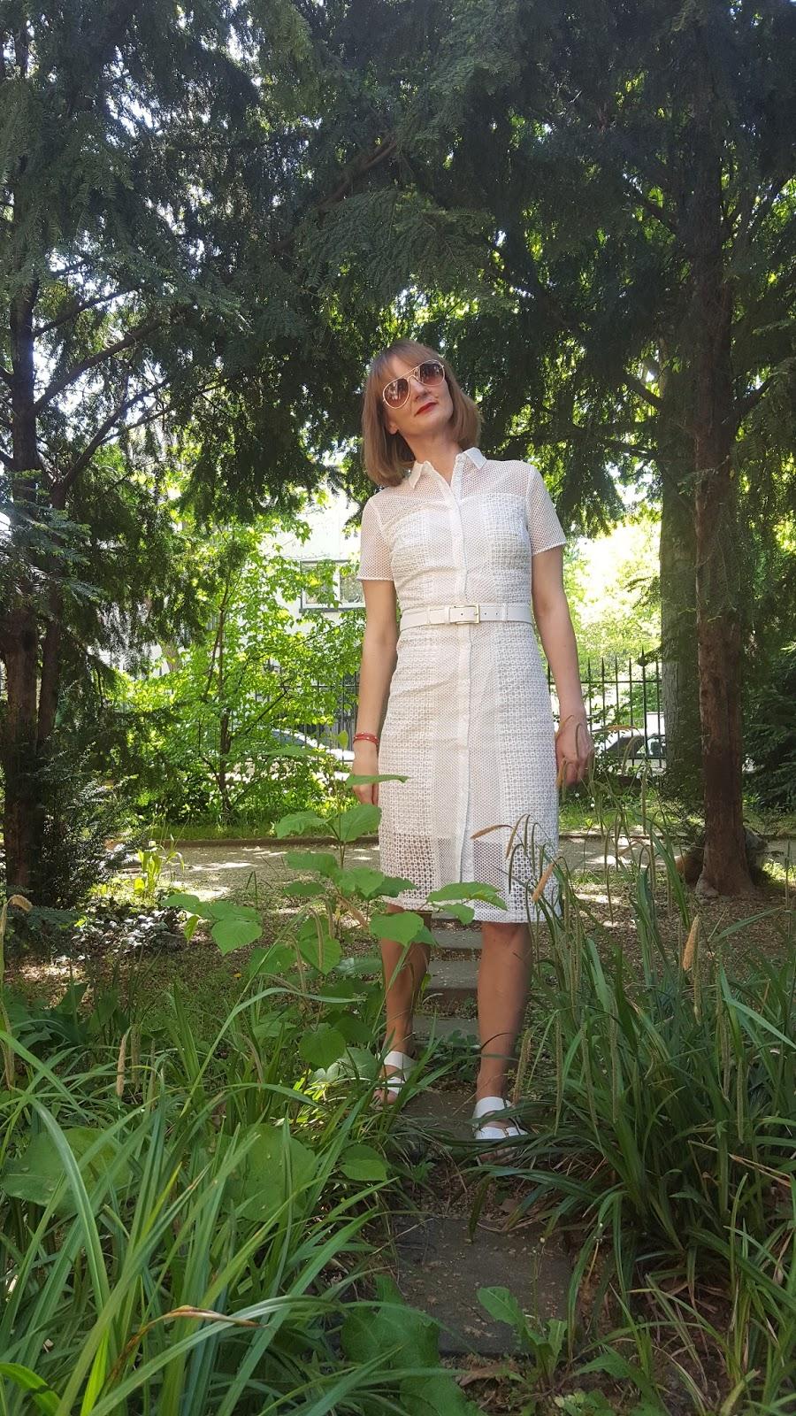 hemdenblusen-kleid_stylen_weiss_sandalen_jeansjacke_modeblog_ü40_frankfurt_oceanblue-style_birkenstock