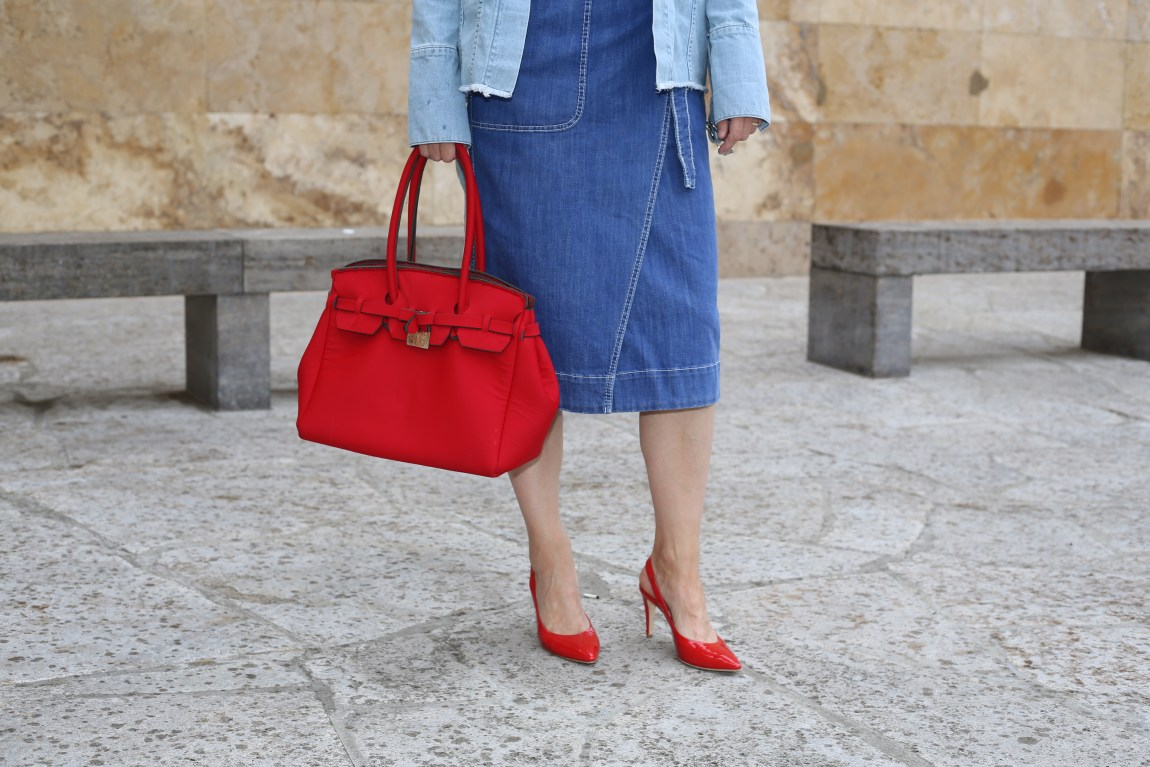 weite-hose_streifen_faltenrock_streifenbluse_slingback-pumps_rot_mode-blog-ü40_Oceanblue-style_jeans-jacke_denim_neopren_birkin-bag_wrapped_denim-skirt_wickelrock_jeans##