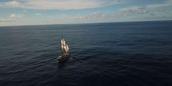 Schiff auf dem Ozean