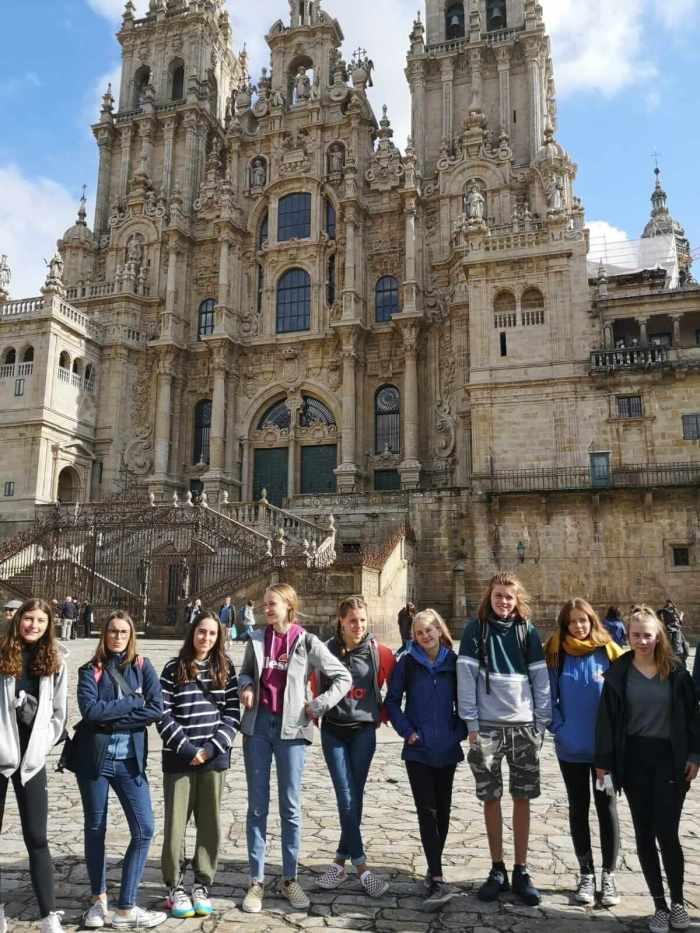 Gruppe in Santiago vor der Kathedrale