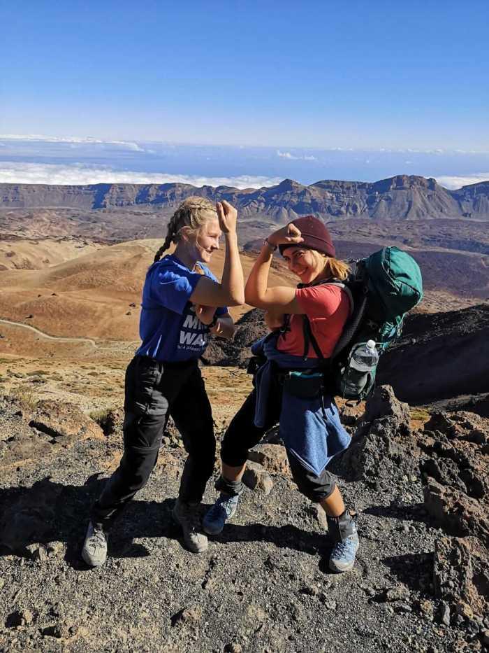 Auf dem Teide: Teilnehmer haben es geschafft und freuen sich.