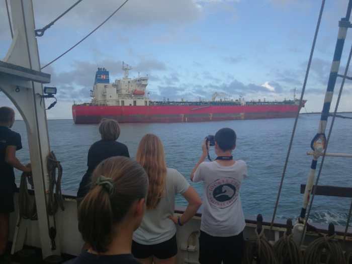 Segelschiff vs. Supertanker
