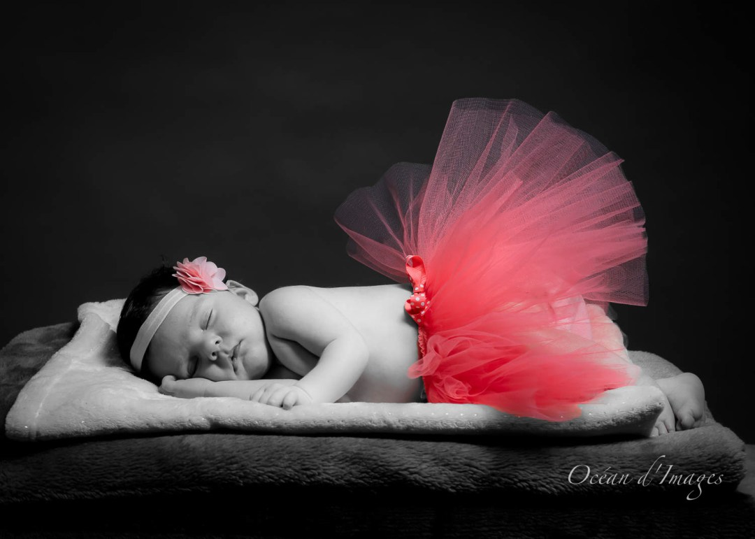 photographe naissance bébé noir et blanc