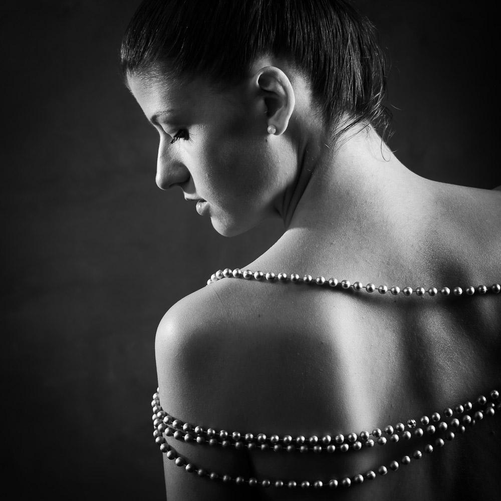 photo noir et blanc femme par photographe glamour la rochelle