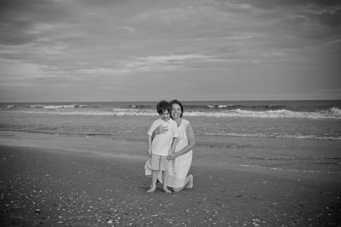 Family beach pictures in ocean isle beach north carolina