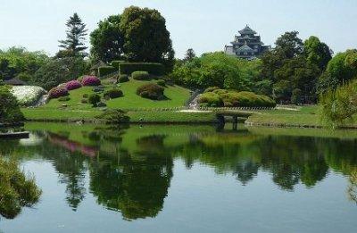 800px-Okayama_Korakuen_Garden01