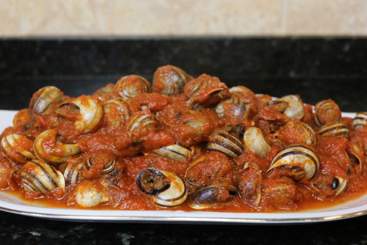 Cabrillas con Tomate y 25 recetas gaditanas.