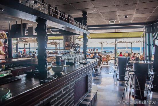 Interior de La Cervecería de El Reducto, Cafés y Terrazas de Arrecife de Lanzarote
