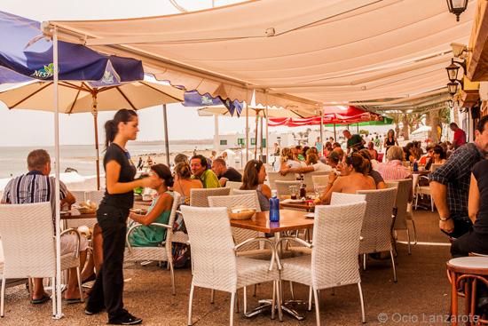 Terraza de Casa Tere, pinchos y tapas en Playa Honda, Lanzarote