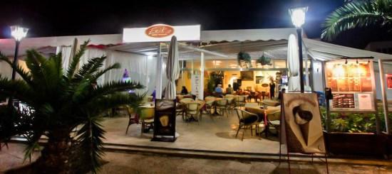 Vista desde la avenida del restaurante pizzería Erik.it, Playa Honda