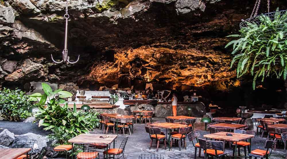 Noches de Jameos, Cena y Concierto en Jameos del Agua (Martes y Sábado)