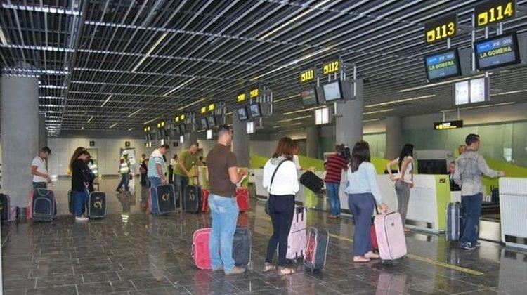 Entra en vigor el descuento para viajar del 75 % para residentes canarios
