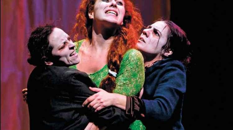 Bernarda Alba, por Delirium Teatro (Jueves, 09 de febrero)