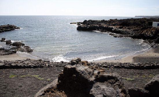 Small beach in Guatiza