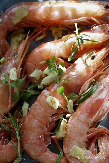 Mediterranean Marinade :: Prepping King Prawn | Recipe and Food Styling: Orsola Ciriello Kogan | Photo: ©SerenaEller