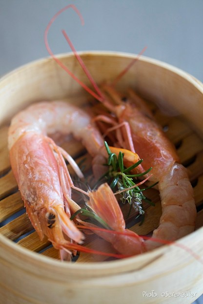 Steaming King Prawn | Recipe and Food Styling: Orsola Ciriello Kogan | Photo: ©SerenaEller