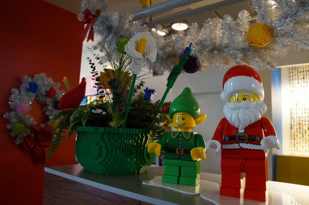 Legoland-hotel-holiday-decorations-09
