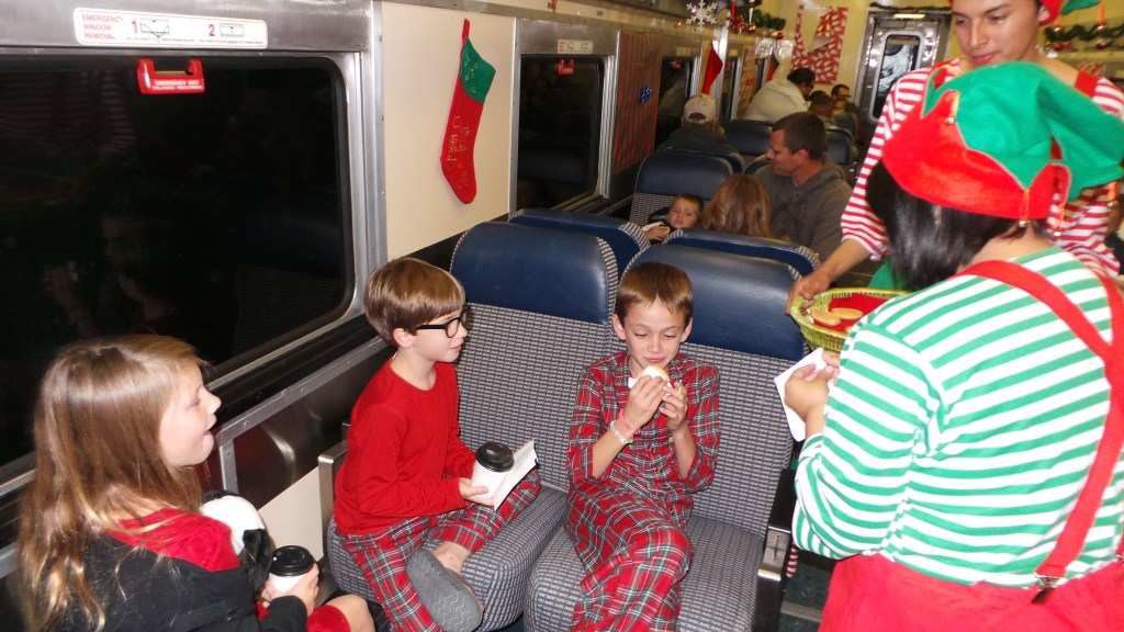 The-Train-to-Christmas-Town-8