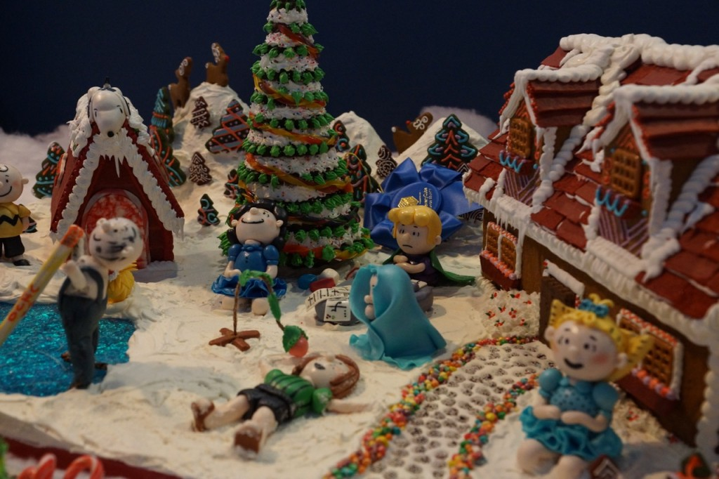 Peanuts Gingerbread House