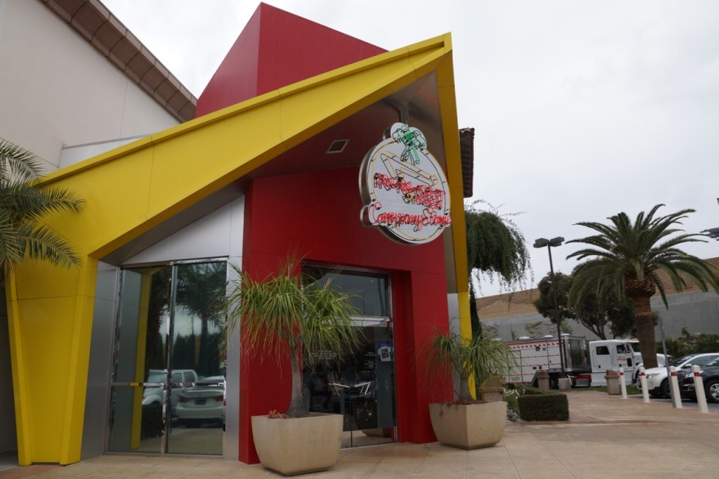 in-n-out company store
