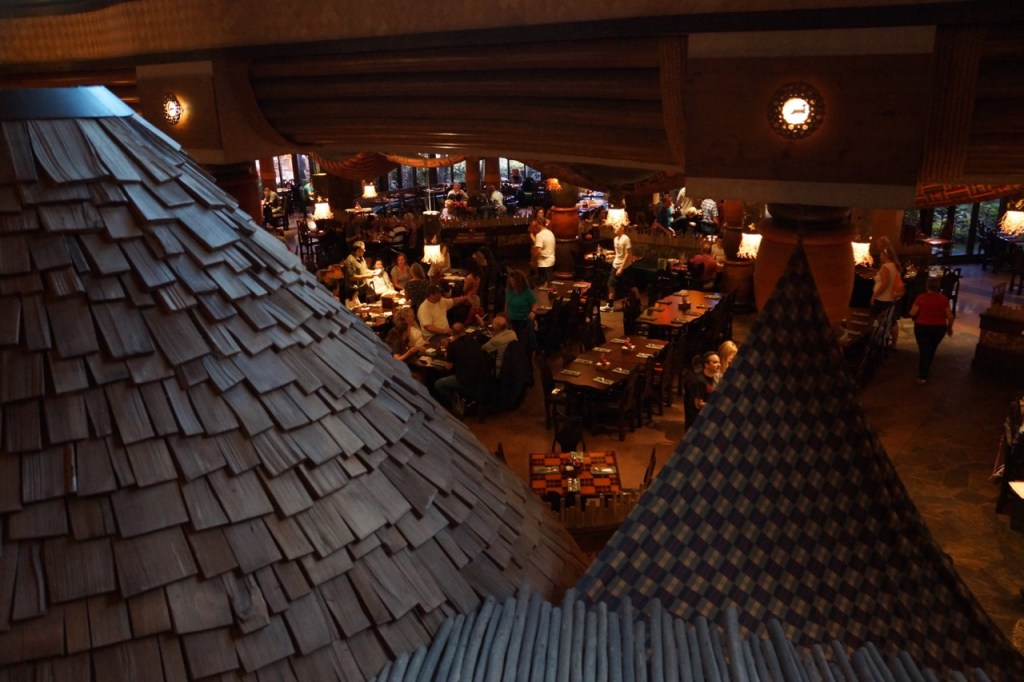 families have breakfast at animal kingdom lodge