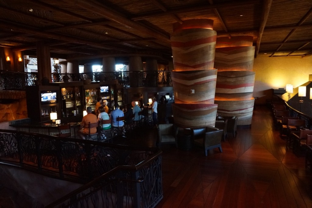 the lounge at animal kingdom lodge