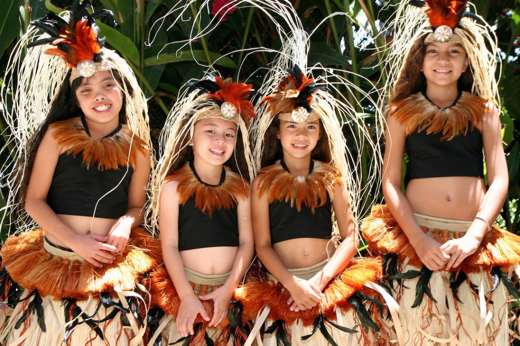 hawaiin girls at the Aquarium of the Pacific Festival