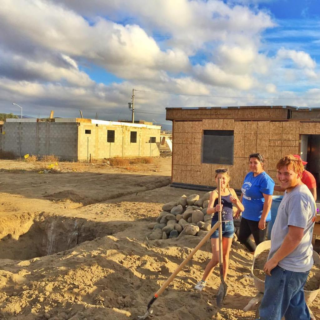 Digging a septic tank for a family in Mexico