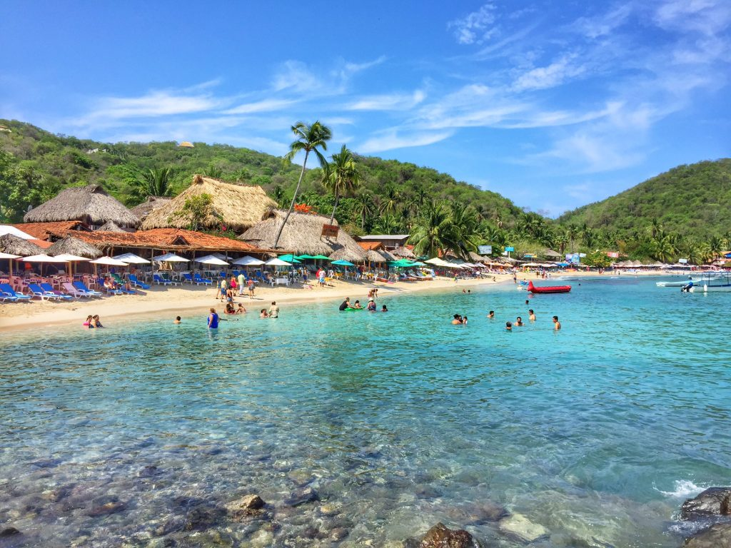Beautiful las gatas beach in Zihuatanejo