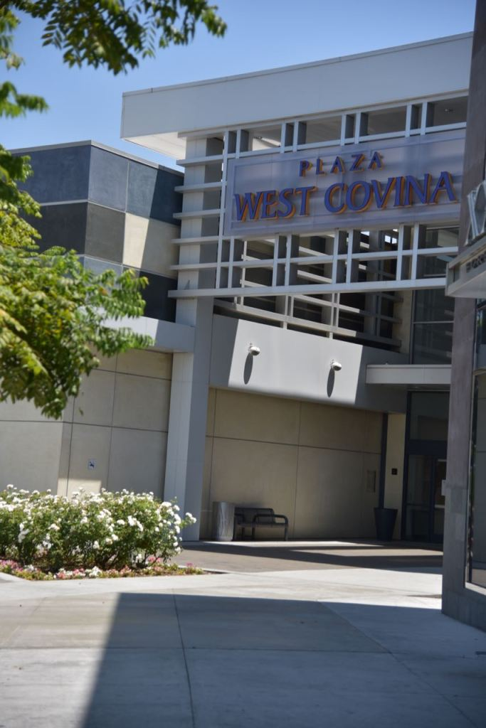 Entrance to the West Covina Mall