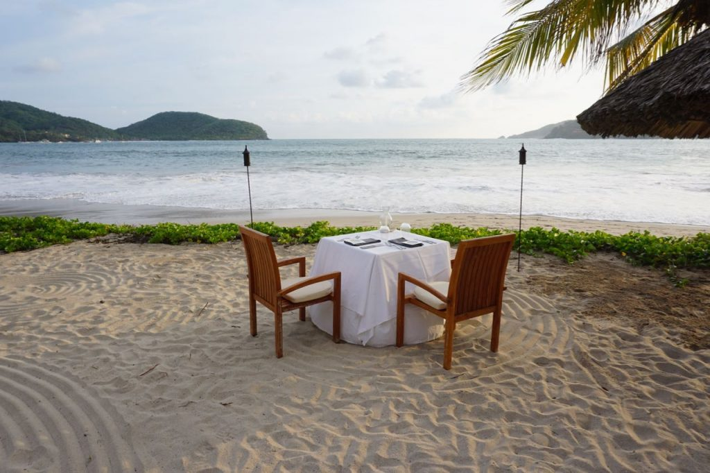 romantic dinner Zihuatanejo