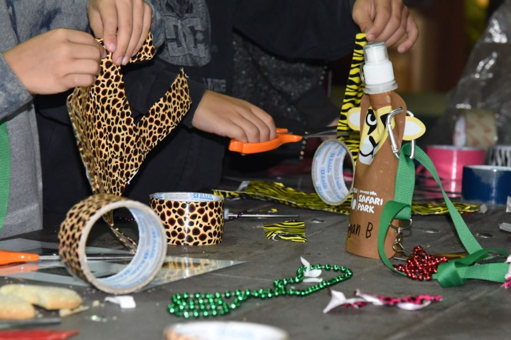 crafts-at-the-san-diego-zoo-sleepover