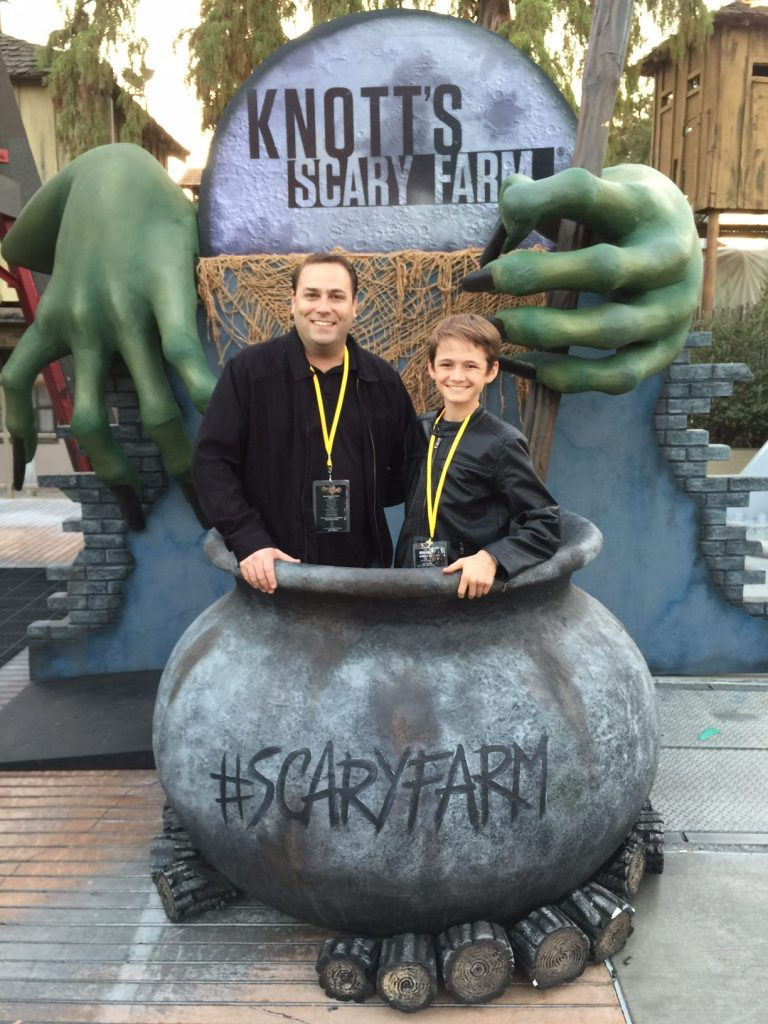 father-and-son-night-out-at-knotts-scary-farm