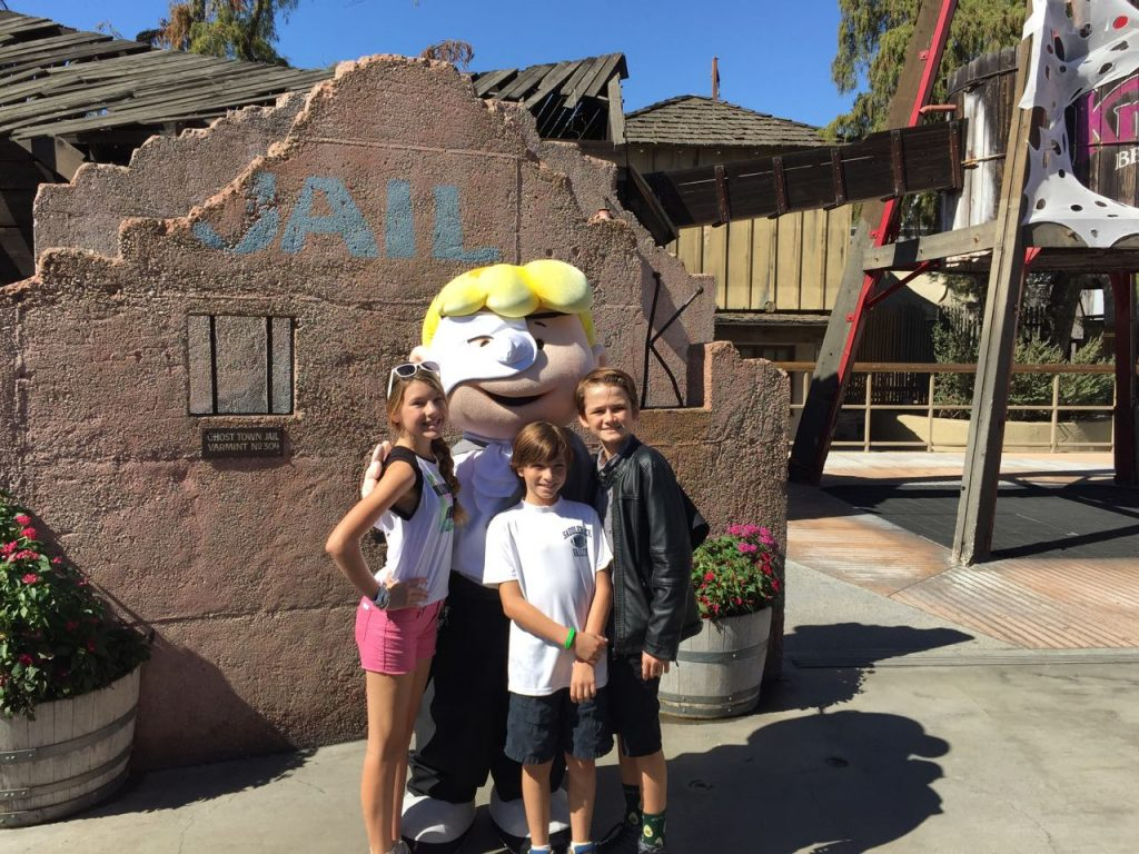 visiting-knotts-spooky-farm
