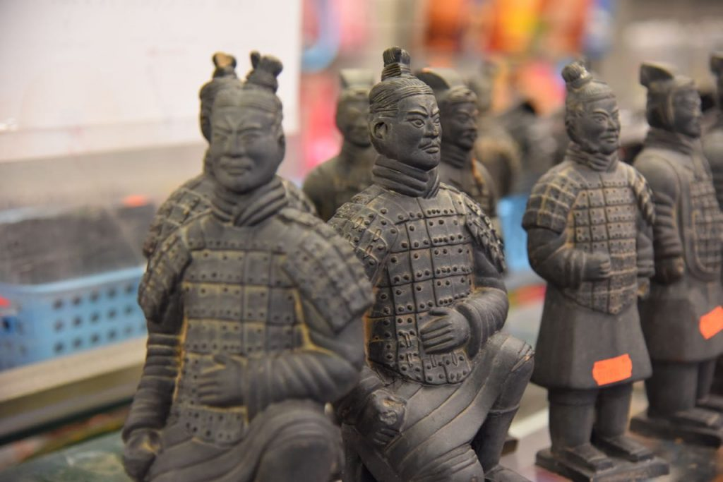chinese-sculpture-in-china-town