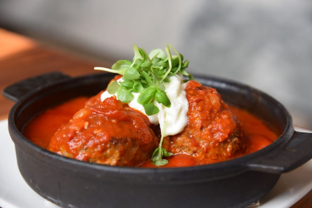 meatballs-and-burrata-cheese