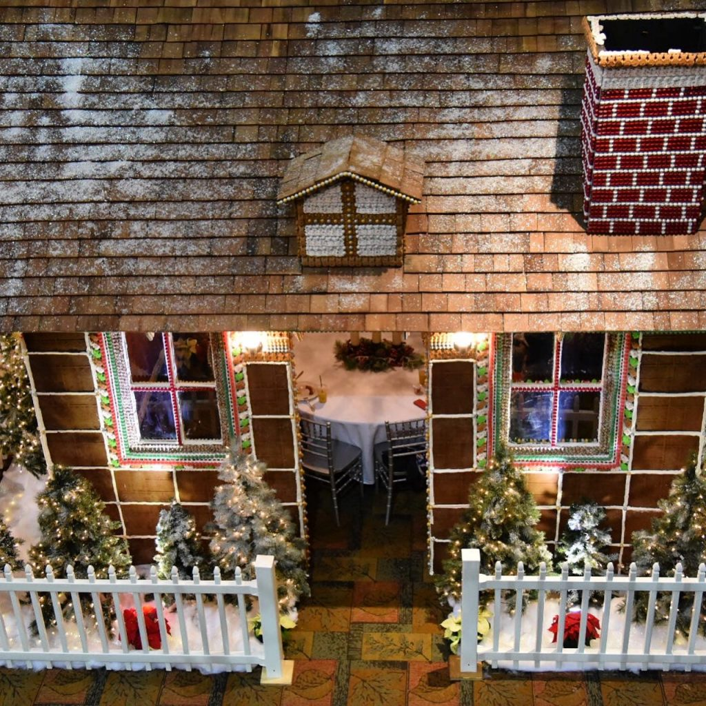 Great Wolf Lodge Gingerbread House