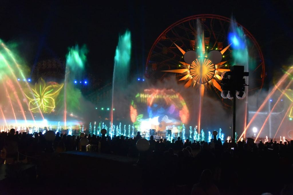 Lilo and Stitch in World of Color – Season of Light