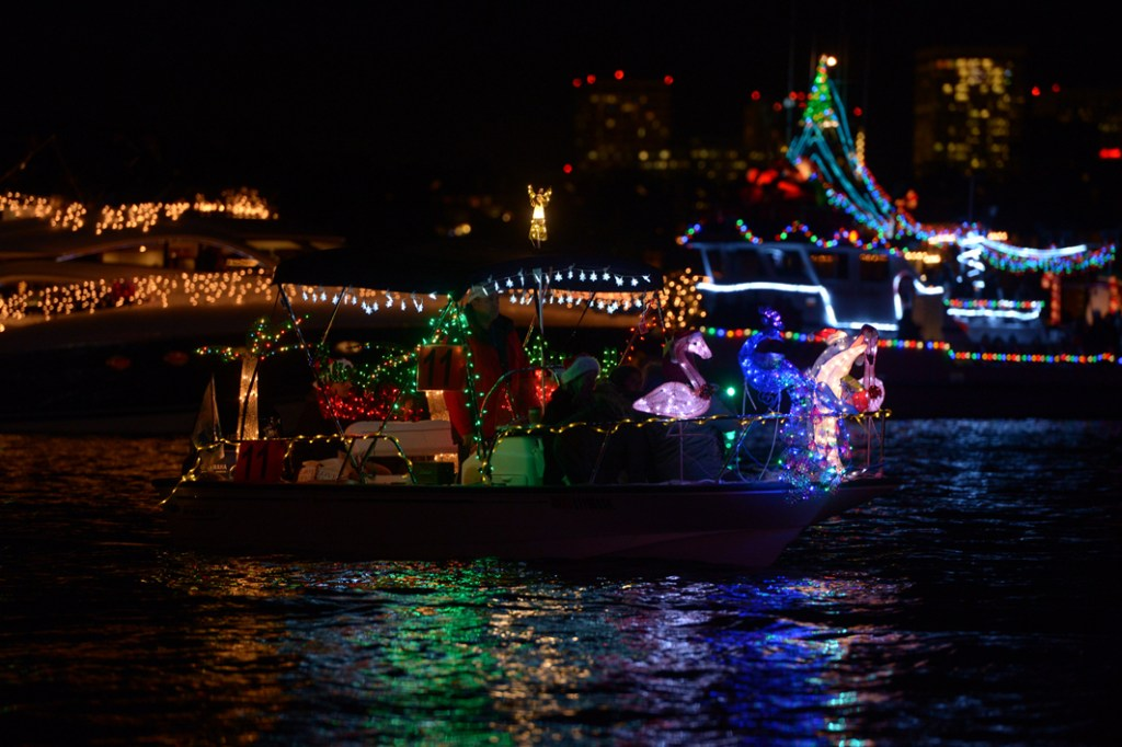 Newport Beach Boat Parade Restaurants