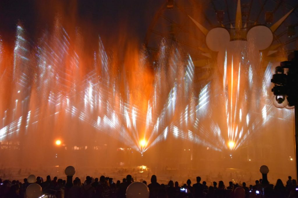 World of Color – Season of Light at Disney California Adventure Pak