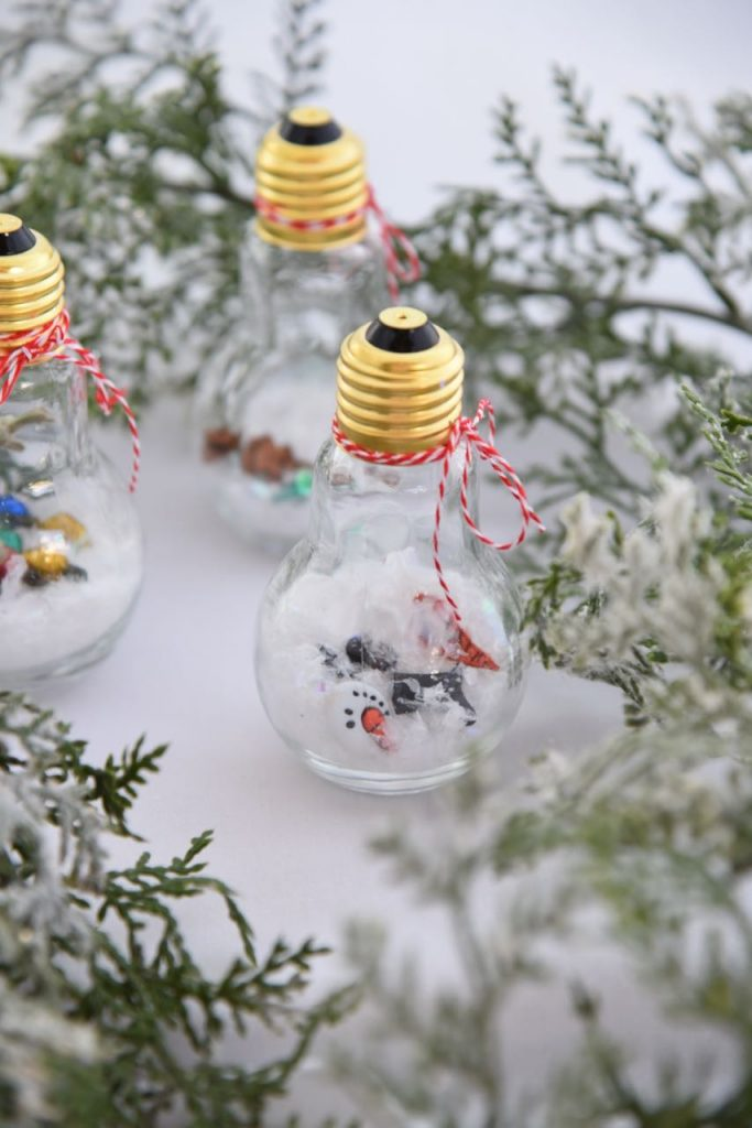 Handmade ornament that kids can make