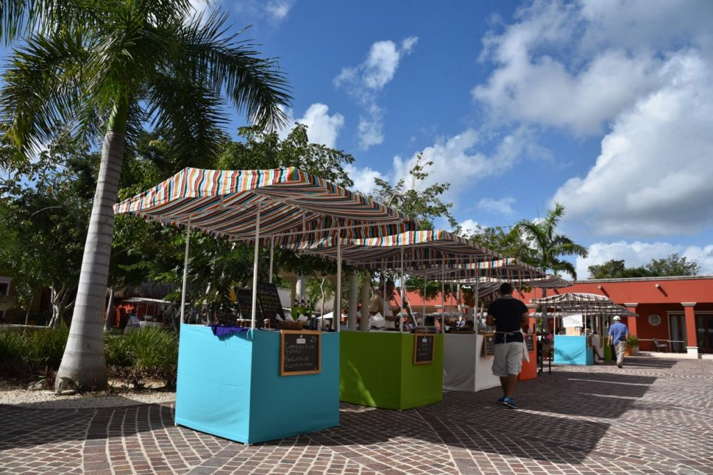Farmer's Market at El Pueblito in Mayakoba every Sunday