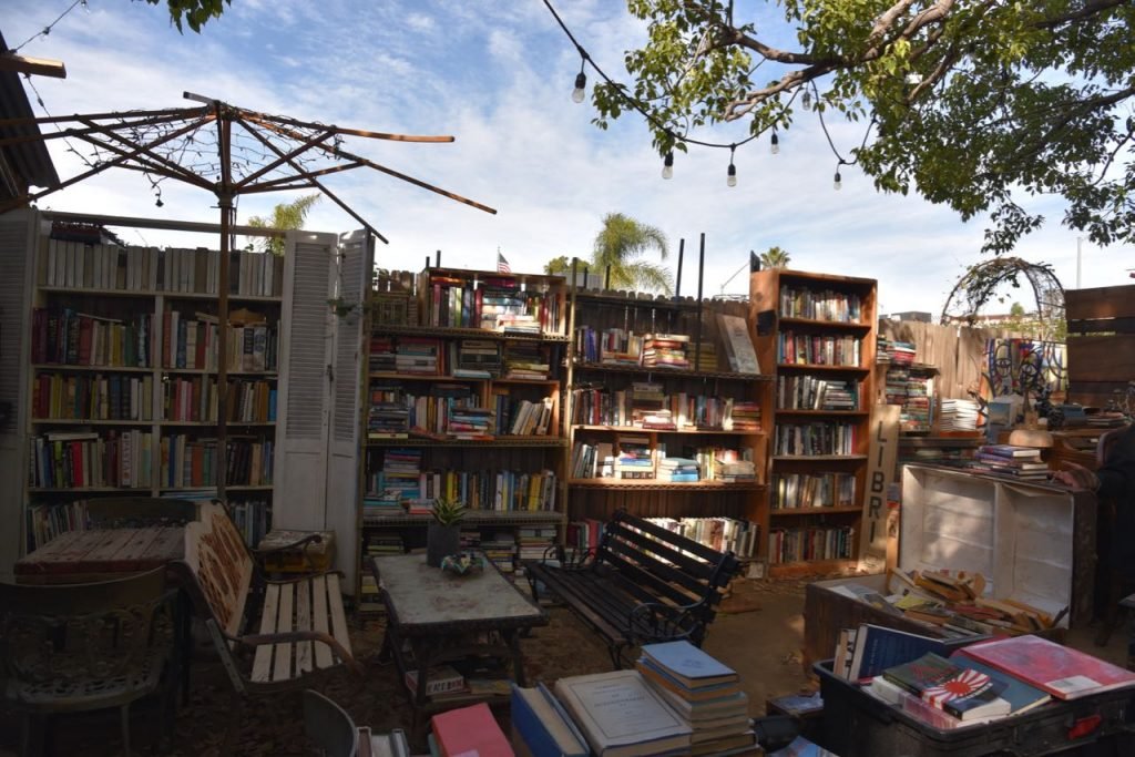 The patio at Lhooq Bookstore