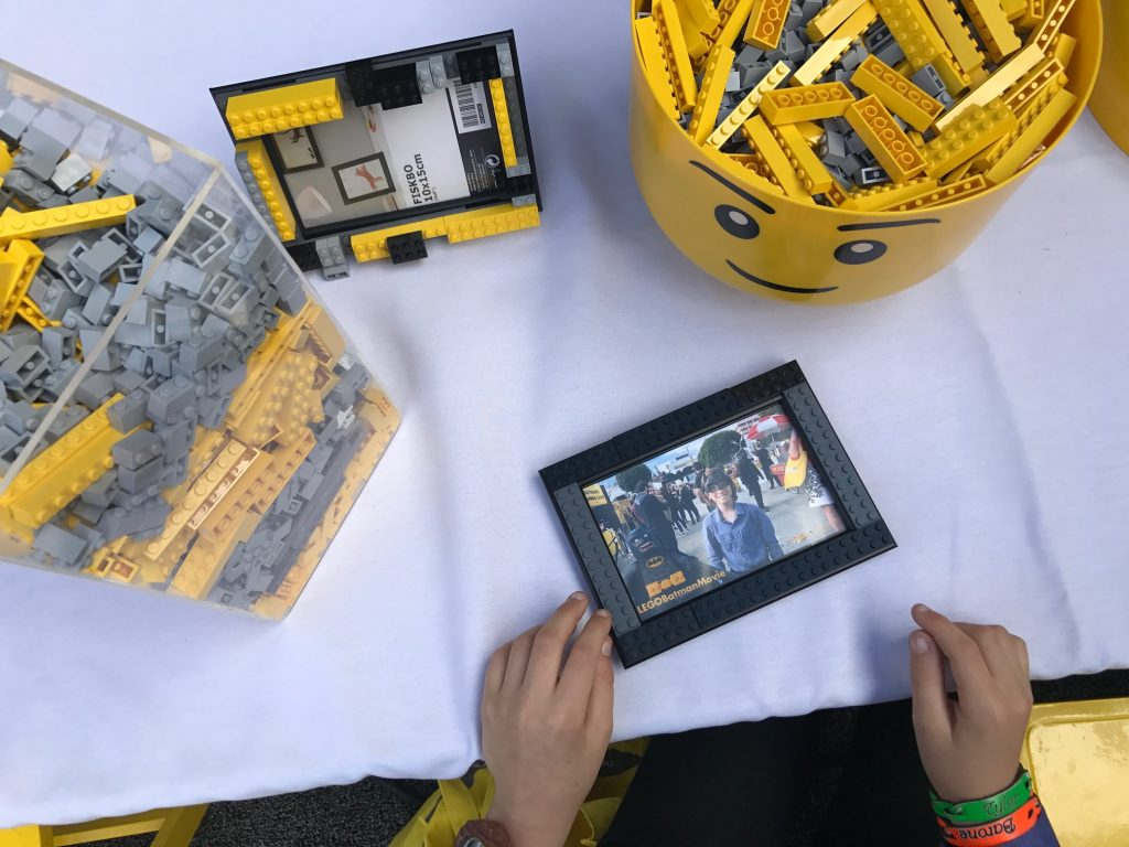 Making a Lego picture frame at The Lego Batman Movie Premiere
