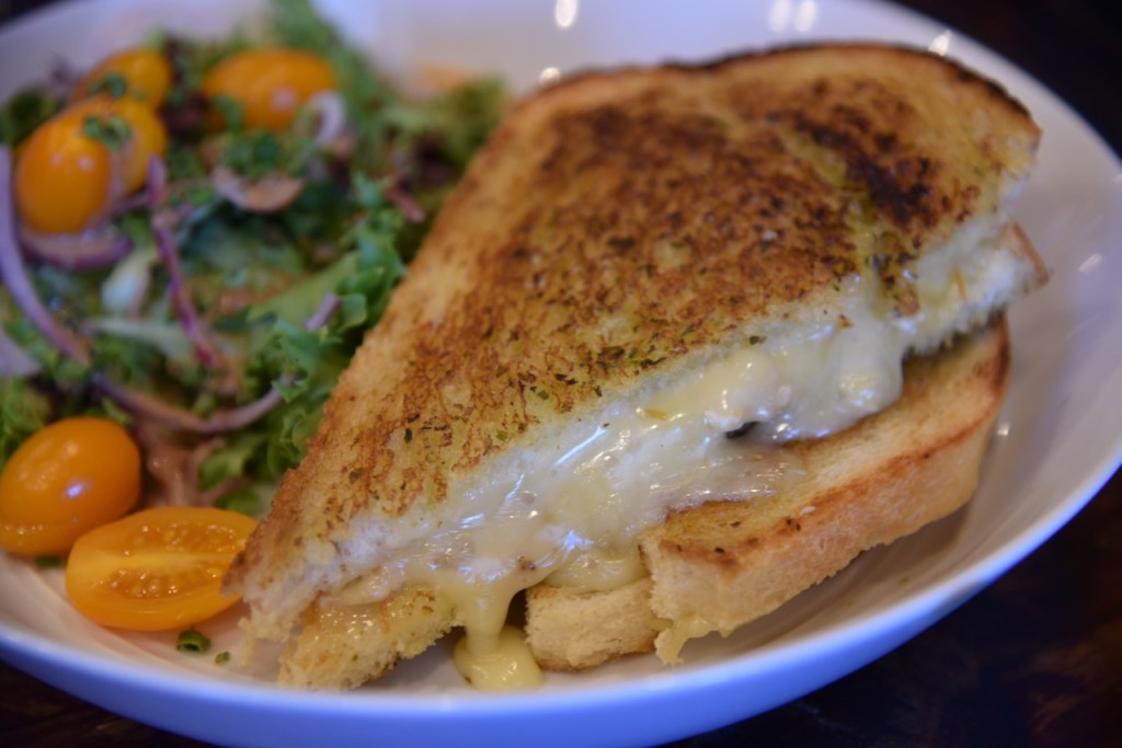 Cheesemonger's grilled cheese at The Pink House