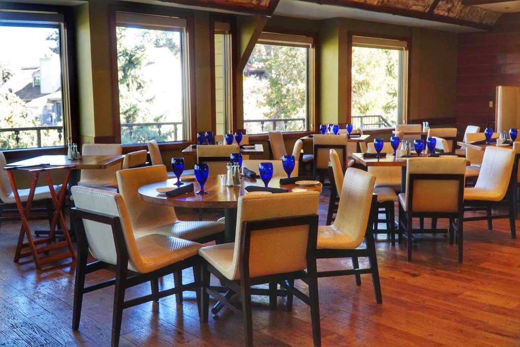 Dining area at Bin 189 at the Lake Arrowhead Resort