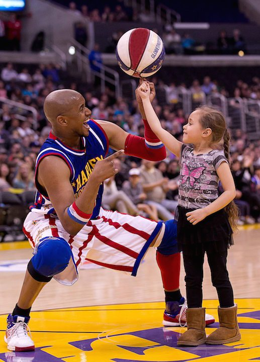 Scooter Christensen Ball Spin at a Harlem Globetrotters Show